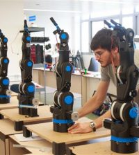 bcn3d-technologies-develops-3d-printed-moveo-robotic-arm-schools-2